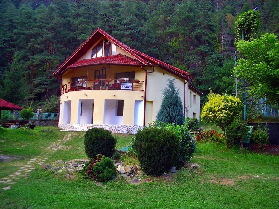 Romania montana pensiunea marin valea stezii for Cazare cu piscina interioara valea prahovei